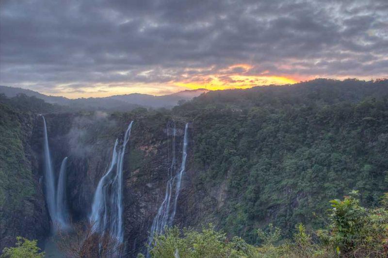 دهمین آبشار بلند هند زیر ذره بین