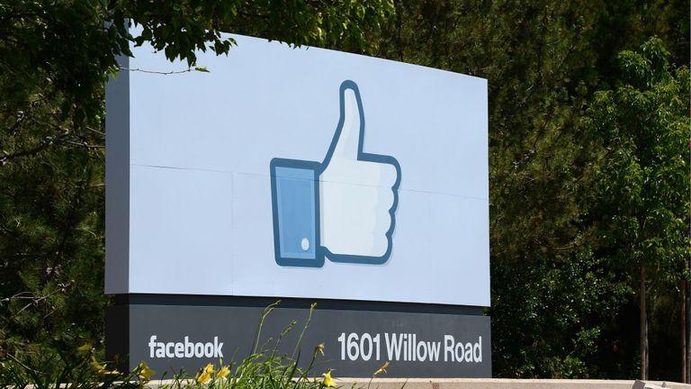 حمله با گاز شیمیایی به ساختمان فیس بوک
