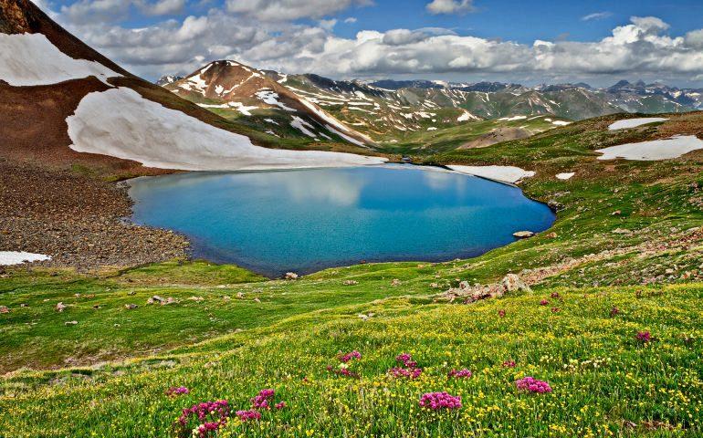 دریاچه نئور نگین اردبیل