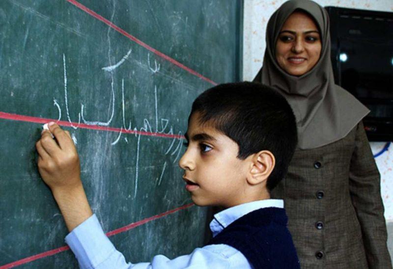 آیا زمان اجرای طرح رتبه بندی معلمان به تعویق افتاد؟