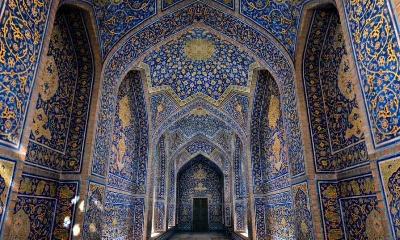 معماری منحصر به فرد مساجد ایران پذیرای گردشگران مذهبی