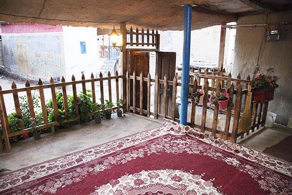 تجربه زندگی روستایی در اقامتگاههای بوم گردی