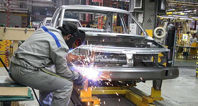 صنعت خودروسازی بسیار گران اداره میشود