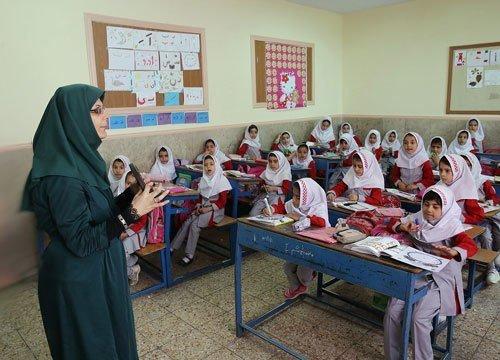 پرداخت معوقات فرهنگیان بعد از واریز حقوق شهریورماه