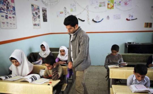 سونامی ناشی از کمبود معلم را جدی بگیرید+راهکارها