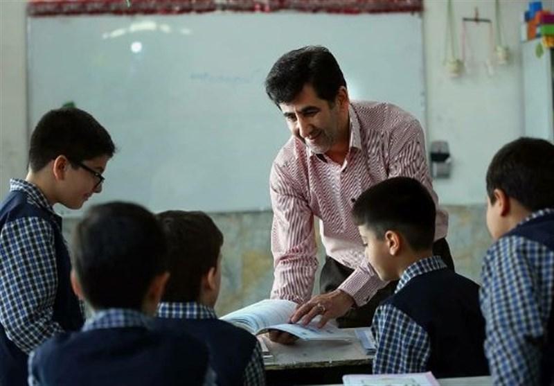 فیلم  220 هزار دانش آموز بدون کتاب درسی