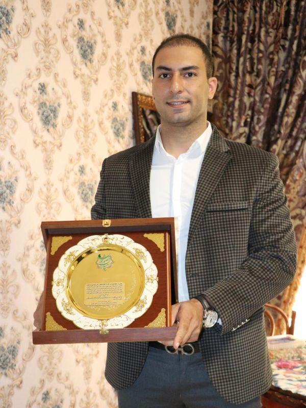 استاد محمد علی بادامی مفتخر به دریافت تندیس جوان کارآفرین موفق شد