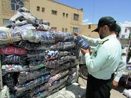 کشف محموله میلیاردی پوشاک قاچاق در بازرسی از انبار تخلیه بار