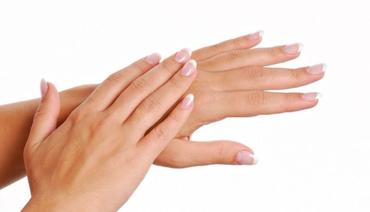 راههای درمان خانگی خشکی دست