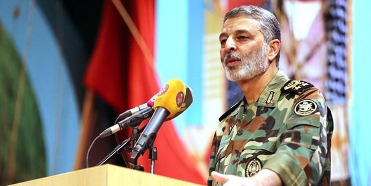 توضیحات فرمانده ارتش از نحوه انهدام پهپاد متجاوز در ماهشهر