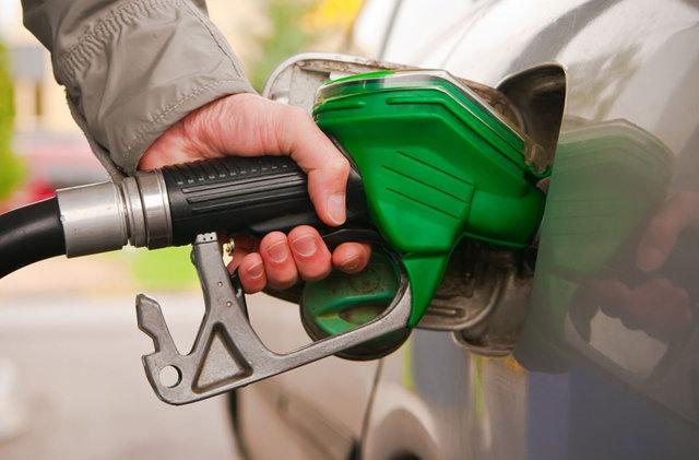 آخرین اخبار جلوگیری از فشار تورمی تغییر قیمت بنزین بر مردم