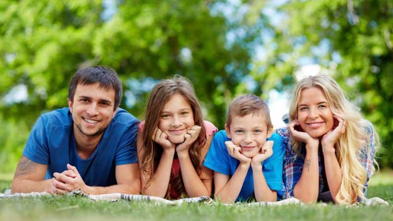 چگونه یک خانواده شاد و بی غم داشته باشیم؟