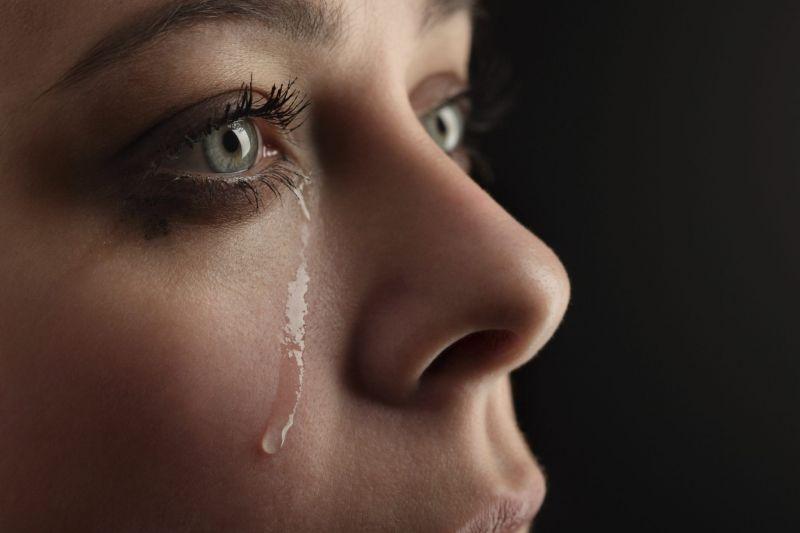 مهمترین فواید اشک برای بدن