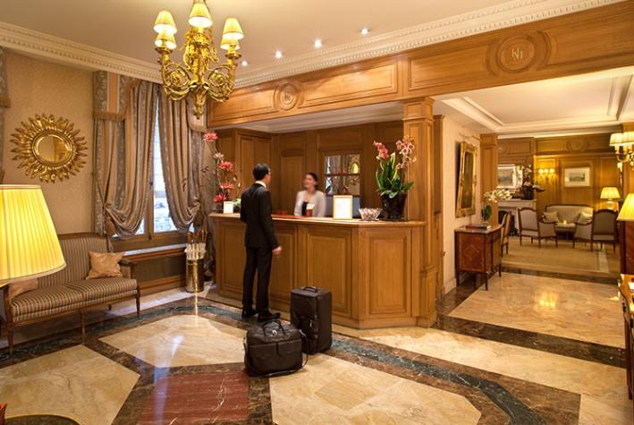 نکاتی که هنگام اقامت در یک هتل باید به ان توجه کنید