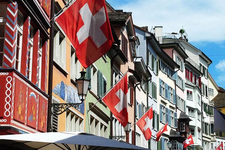 ضربه کرونا به اقتصاد سوئیس