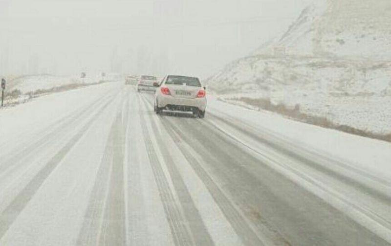 پیشبینی تشدید بارندگیها تا شنبه/کولاک برف و لغزندگی جادهها در راه است