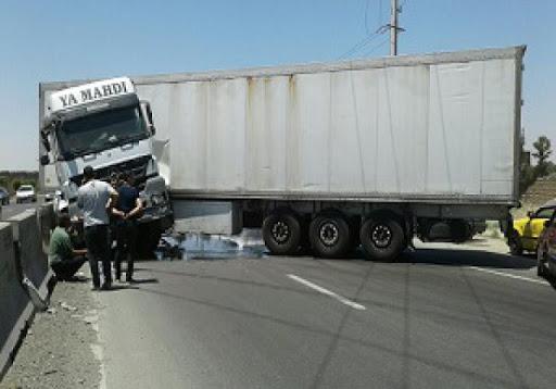 حادثه تکراری قیچی کردن تریلر در بزرگراه های اصفهان