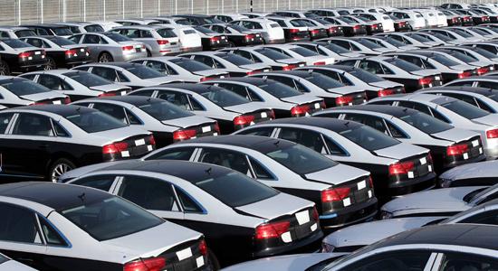 قیمت خودرو تا بهمن 99 چقدر کاهش می یابد؟