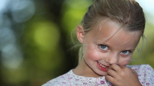 دلیل اصلی ناخن جویدن کودکان