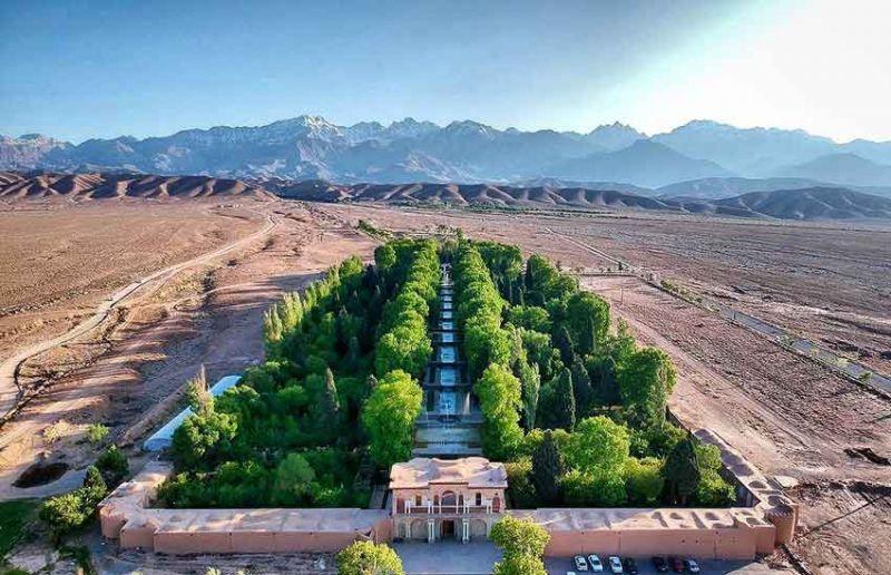 باغ بهشتی شاهزاده ماهان در دل آتش کویر