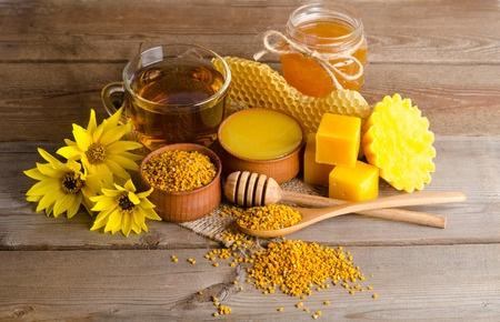 محصولات عسل چیست؟ چه خواصی دارند؟