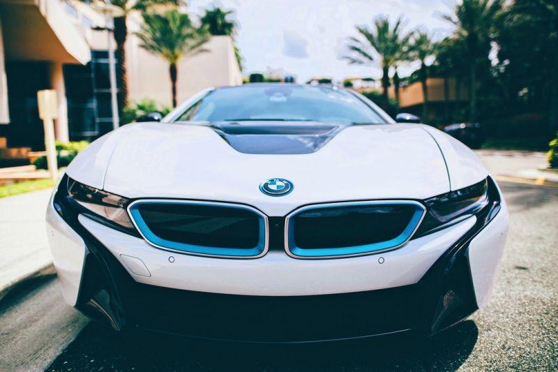 خلاقیت BMW در خداحافظی با سری i8