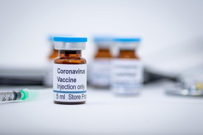 چند هفته تا آزمایش انسانی واکسن ایرانی کرونا