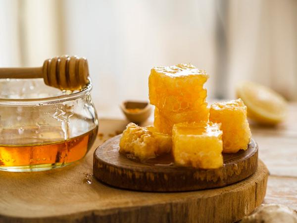 تفاوت عسل وحشی با عسل کندویی در چیست؟