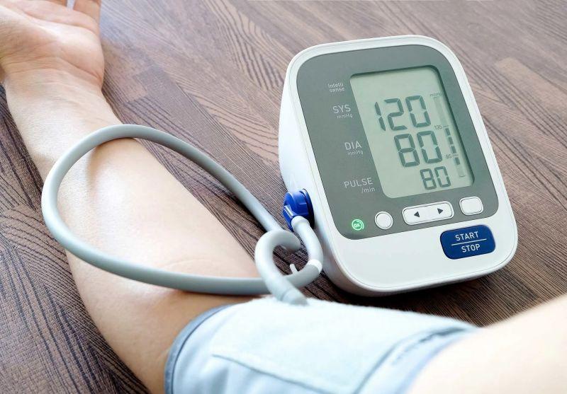کاهش فشار خون با 20 گیاه و میوه