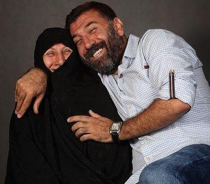 فیلم| اولین واکنش مادر علی انصاریان به درگذشت پسرش