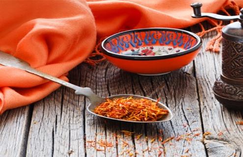 نحوه گرفتن تلخی غذا با زعفران