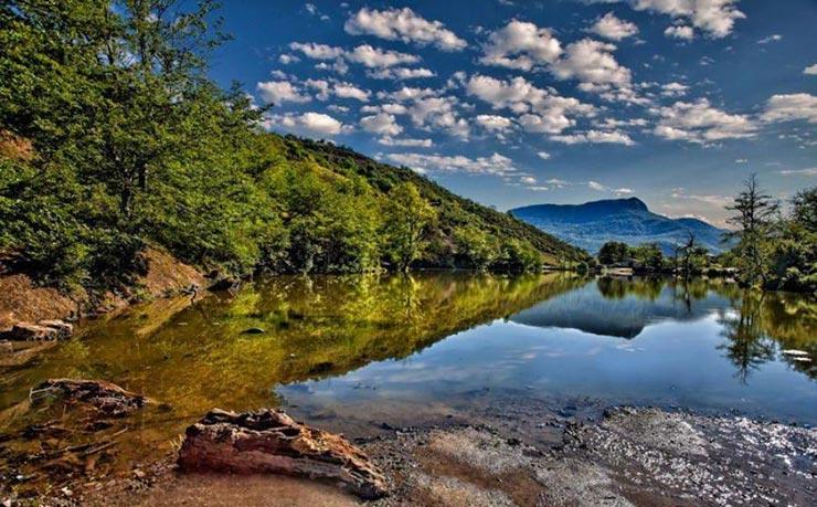 دریاچه رویایی شورمست در قلب سواد کوه