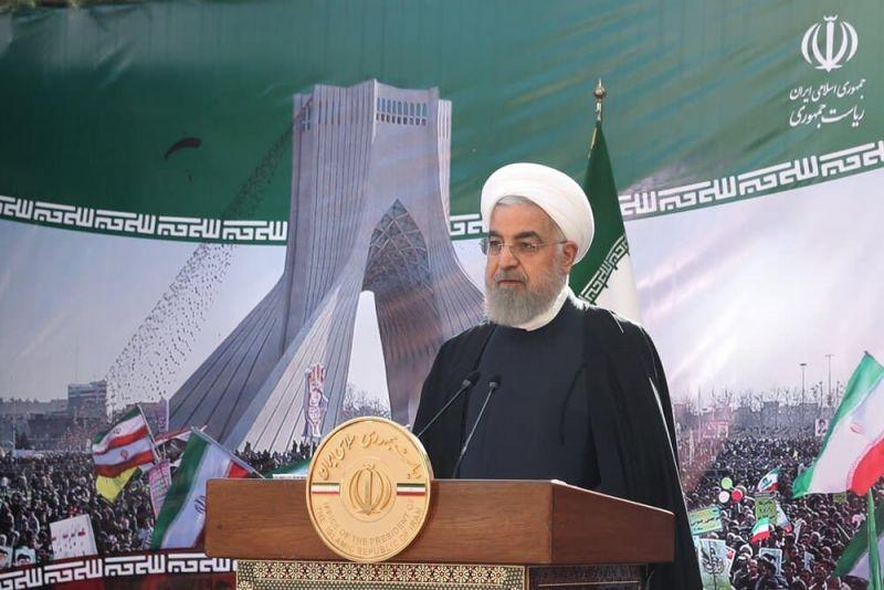 فیلم| واکنش ها به توهین اصفهانیها به روحانی در راهپیمایی 22 بهمن