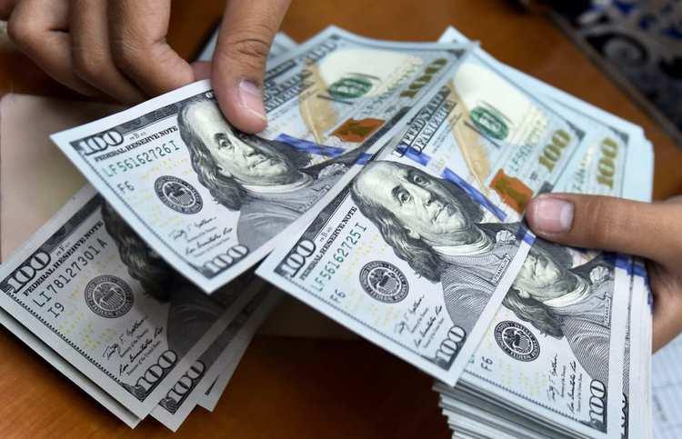 تأثیر آزادسازی ارزهای بلوکه شده در چین و عراق بر قیمت دلار/ شرط ریزش دلار