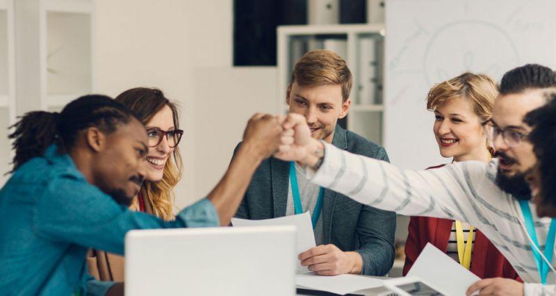 چگونه می توانم با دیگران ارتباط موثر و خوبی برقرار کنم؟