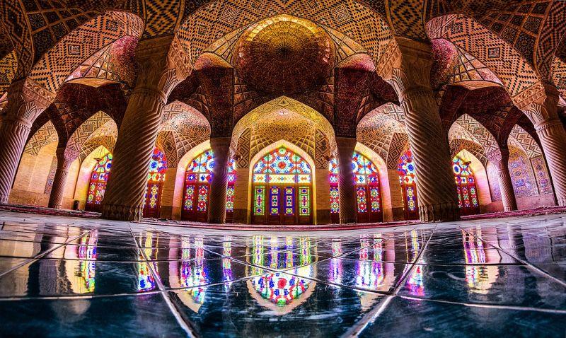 راهنمای بازدید از مسجد نصیرالملک یا مسجد صورتی