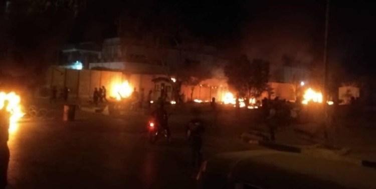 فیلم  پشت پرده آتش زدن دیوار کنسولگری ایران در کربلا