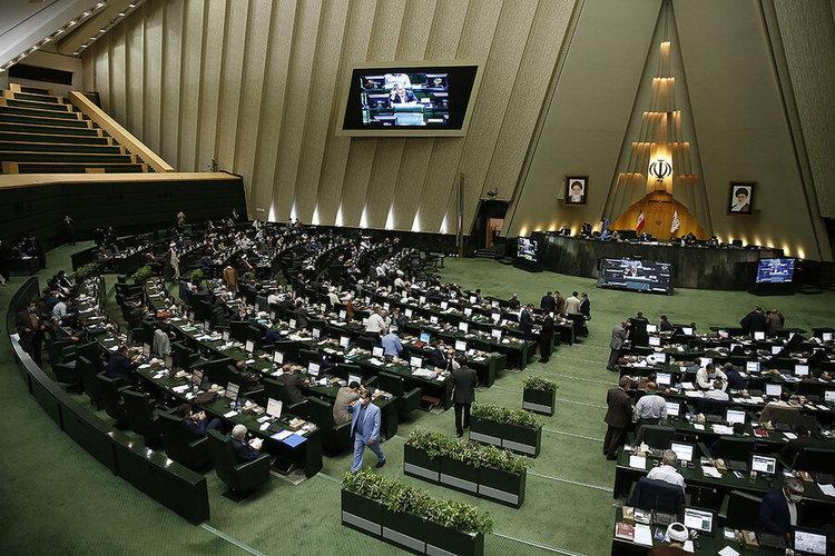 جزییات شکایت تازه نمایندگان مجلس از روحانی بخاطر استنکاف از قوانین