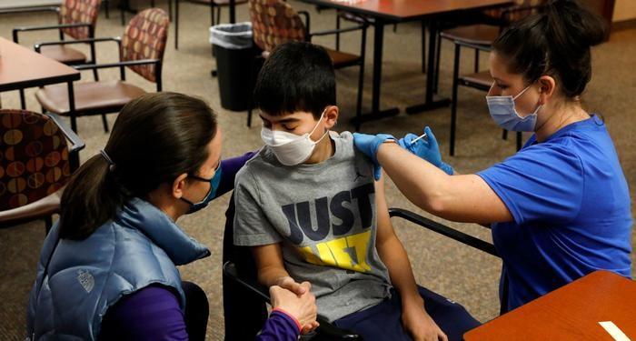 زمان واکسیناسیون دانشآموزان در مهر 1400