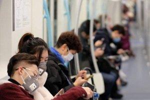 ماجرای مردی که در مترو مسکو تظاهر به بیماری کرونا کرد