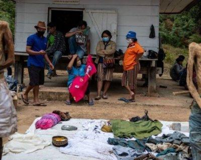 تصاویری از نبش قبر و آراستن مردگان در اندونزی (تصاویر+16)