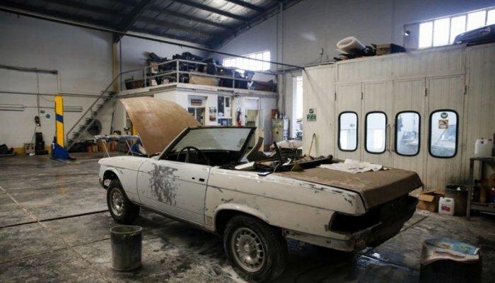 تصاویر دیدنی روز؛ از تعمیرگاه خودروهای کلاسیک تا برفهای بلوری شکل