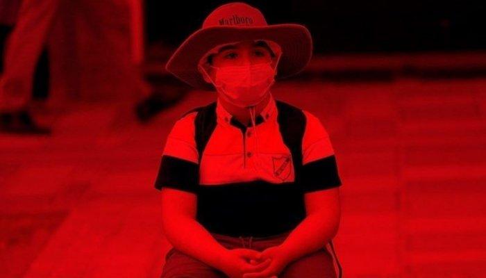تصاویر دیدنی روز؛ از وضعیت قرمز کرونا تا رکوردار بلندترین ناخن