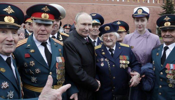 تصاویری از رژه نظامی در روز پیروزی مسکو با حضور پوتین
