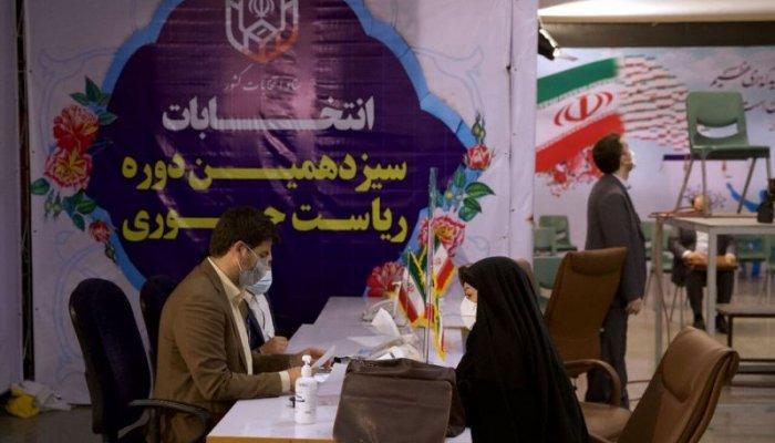 تصاویری از نخستین روز ثبت نام انتخابات ریاست جمهوری 1400