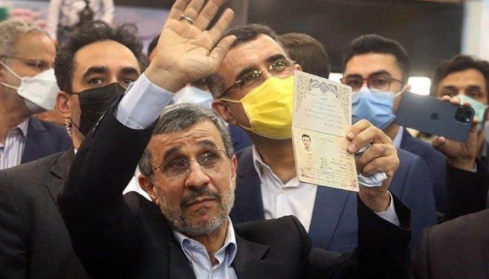 تصاویری از حواشی ثبت نام احمدینژاد در انتخابات ریاست جمهوری 1400