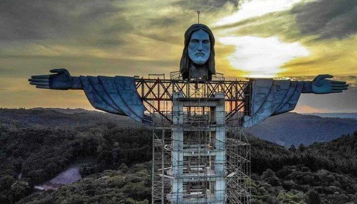 تصاویری از ساخت بلندترین مجسمه مسیح در برزیل با ۴۳ متر ارتفاع