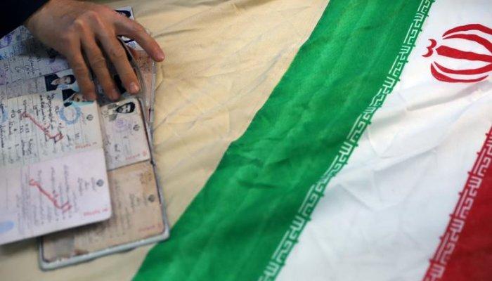 تصاویری از حضور مردم ایران پای صندوقهای رأی در انتخابات 1400