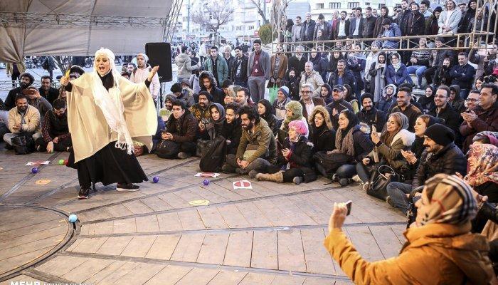 اجراهای خیابانی سی و ششمین جشنواره تئاتر فجر