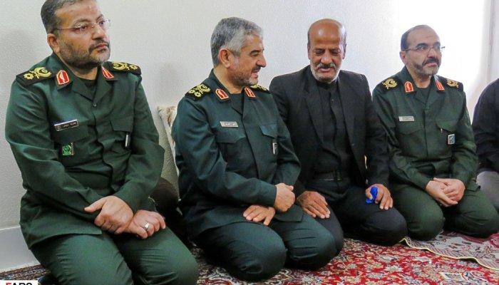 دیدارفرمانده کل سپاه پاسداران با خانواده شهدا و مجروحین حادثه تروریستی زاهدان